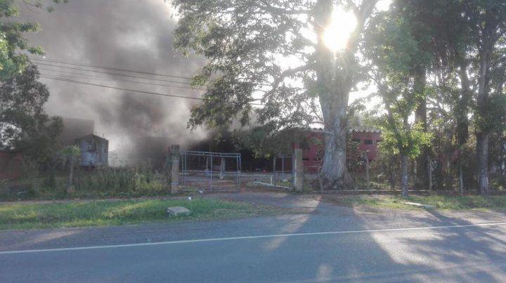 Se desató un feroz incendio en el frigorífico de Maciel