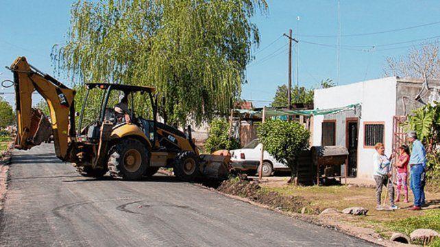 En obra. La pavimentación de calles es uno de los ejes del Plan Abre.