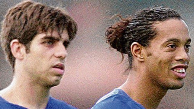 Enfrentados. Tiempos en que Pernambucano y Ronaldinho jugaban juntos.