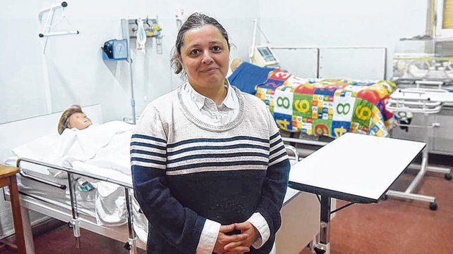 La directora de la Escuela de Enfermería