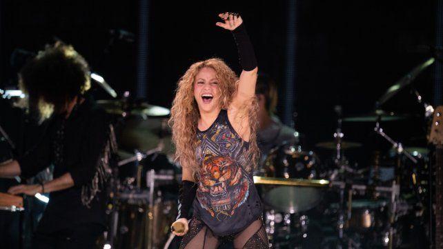 Ahí vamos. Shakira regresó a la Argentina después de siete años de ausencia. El jueves actuó en el estadio de Vélez.