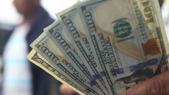 El dólar sube en medio de turbulencias globales