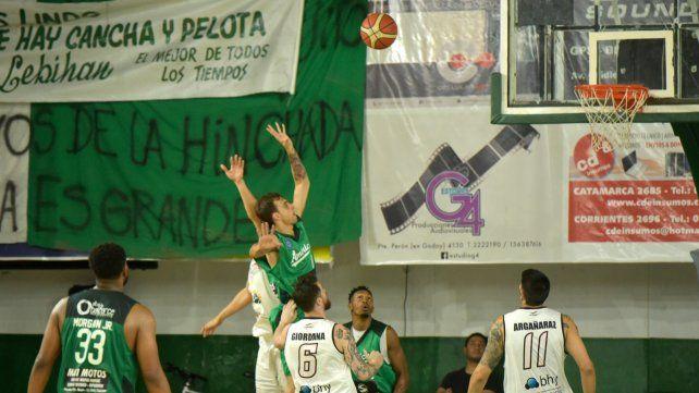 En casa. El verde volverá a jugar esta noche en el Amílcar Tamburri.