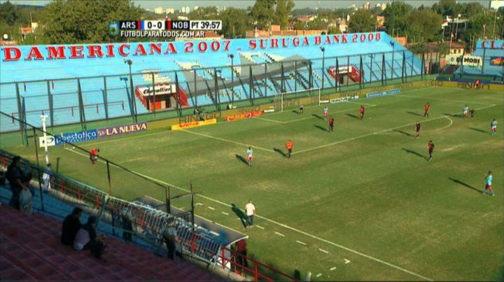 Tribunas vacías en Sarandí. Los rojinegros ya conocen lo que es jugar en esa cancha sin público de los dos equipos