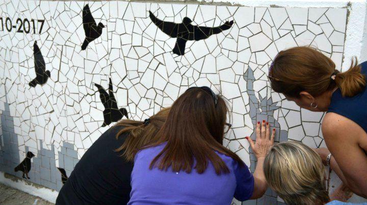 Un mural lleno de emociones en homenaje a los rosarinos muertos en Nueva York