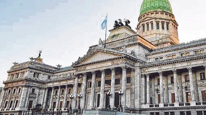 Escenario. El Congreso reactiva el debate en torno a la llamada ley de leyes de la Argentina.