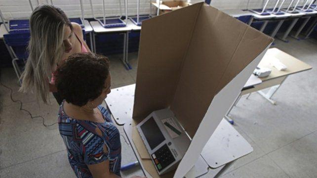 Voto. Los brasileños se informaron por las redes como nunca antes.