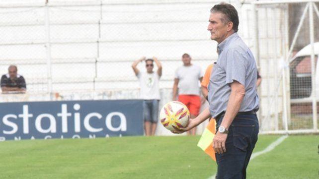 Paró la pelota. El Patón no dramatizó la derrota en Paraná y dijo que llegarán bien al clásico del jueves.