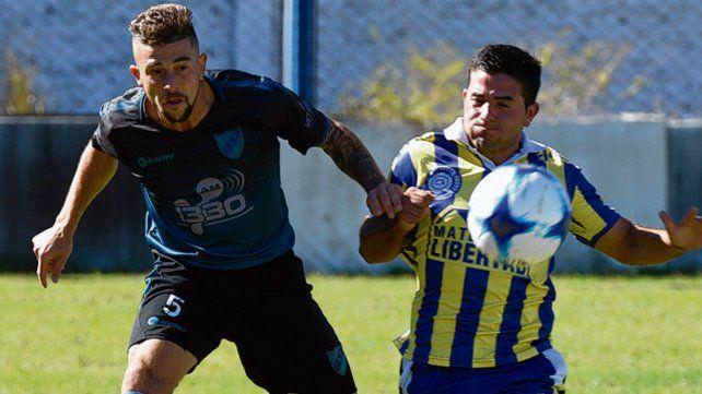Todoterreno. Fabrizio es un referente del equipo dirigido por Marcelo Vaquero.