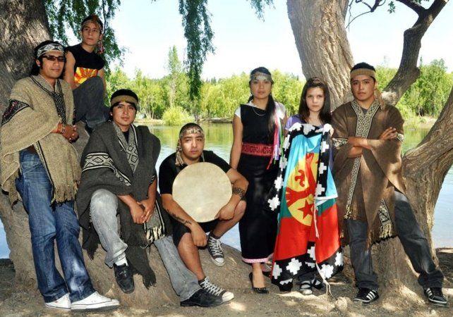 Roger Waters convocó a una banda mapuche para sus shows de La Plata