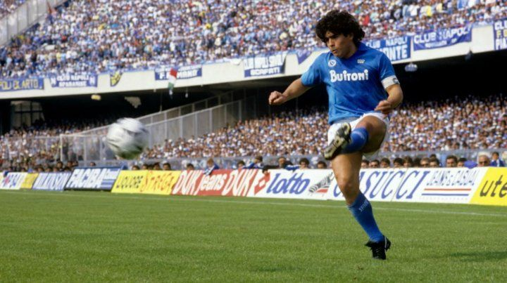 Diez camisetas para recordar a Maradona en el día de su cumpleaños