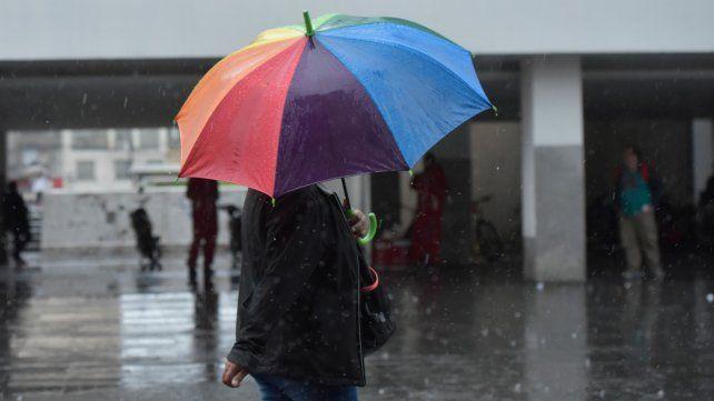 En algunas zonas de Rosario llovieron 90 milímetros en muy poco tiempo