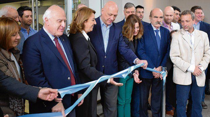 Inauguración. Funcionarios y empresarios participaron ayer del acto.