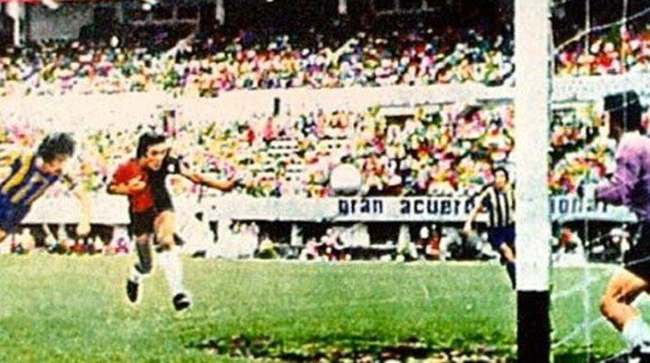 La semi del 71 en el Monumental fue el primer clásico jugado en Buenos Aires.