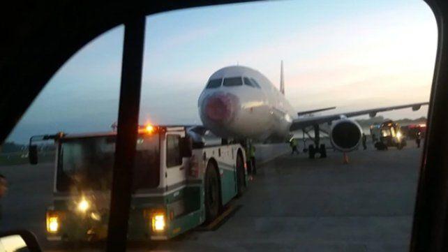 Un avión averiado por el granizo aterrizó de emergencia en Ezeiza