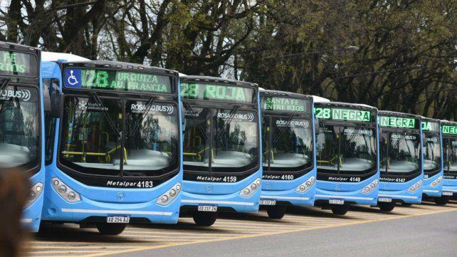 Las nuevas unidades de la línea 128 que mañana saldrán a las calles.
