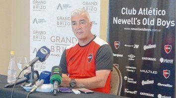 Omar De Felippe, en conferencia de prensa.