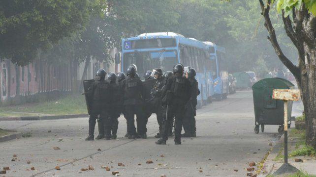 Efectivos de Infantería, esta mañana, en la zona de Esmeralda y La Paz