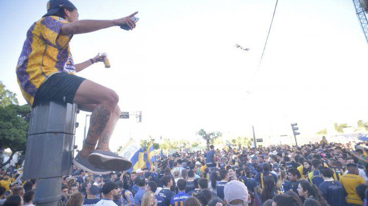 El Gigante también cobijó el festejo de los hinchas canallas