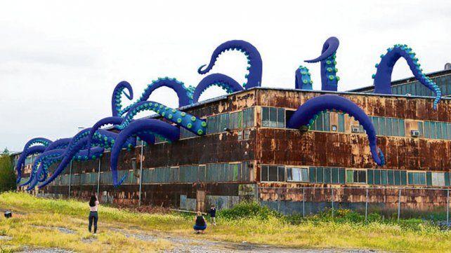 Exhiben monstruo marino en base naval de Filadelfia