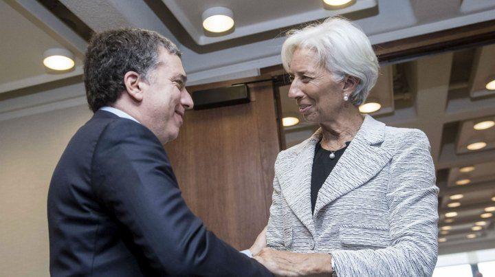Auxilio. Dujovne y Lagarde sellaron un acuerdo en medio de la crisis.