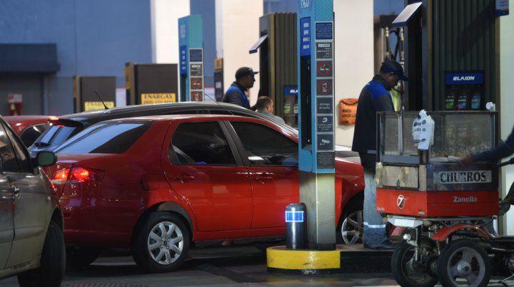 Surtidores. En 2018. hubo 14 aumentos en el precio de los combustibles y ya hay otro en puerta.
