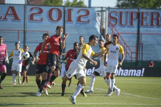 El hombre del gol. Germán Herrera viene de convertirle a Newells y hoy buscará estirar la racha.