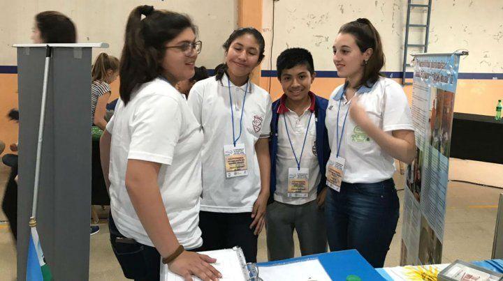 Alumnas y docentes de Pujato llevarán a Abu Dhabi un trabajo sobre climatología