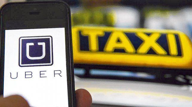 <p> Escenario agitado. La irrupción del fenómeno Uber generó voces que expresan la necesidad de regular el servicio.</p><br><p></p>