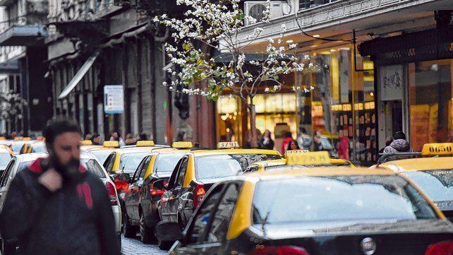 La calle está muy dura. Los conductores tienen en claro que hay que mejorar el servicio para conseguir la confianza de los clientes.