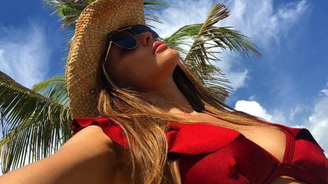 Las fotos de Pampita soltera, sensual y suelta en México