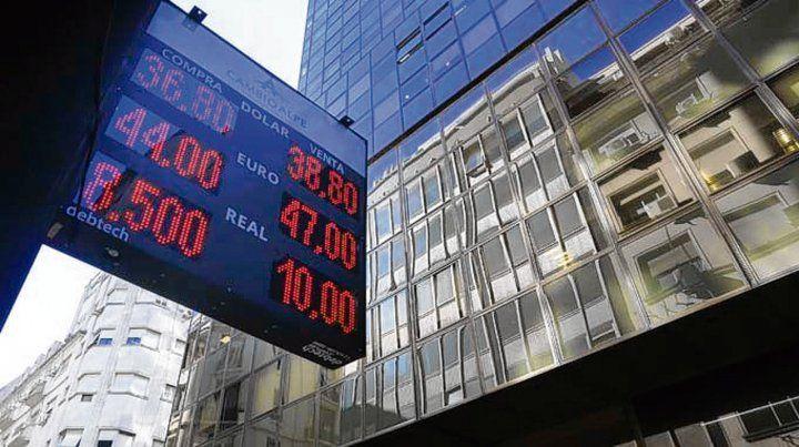 La sintonía fina del BCRA ajustando tasas mantiene quieto al dólar.