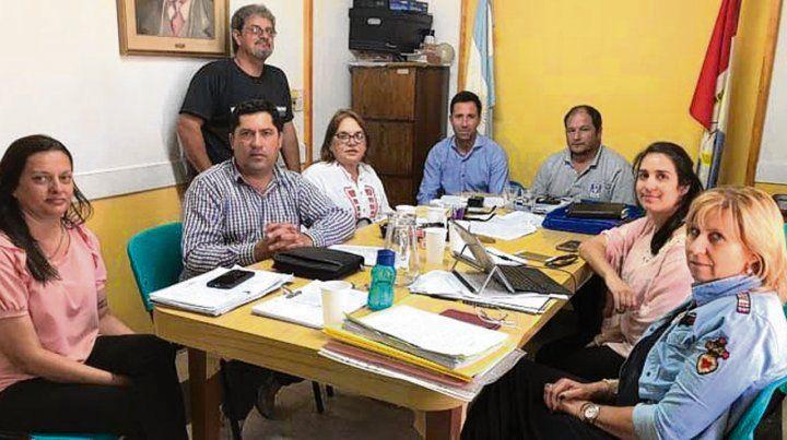 Encuentro. Miembros de la comisión comunal y asesores provinciales.