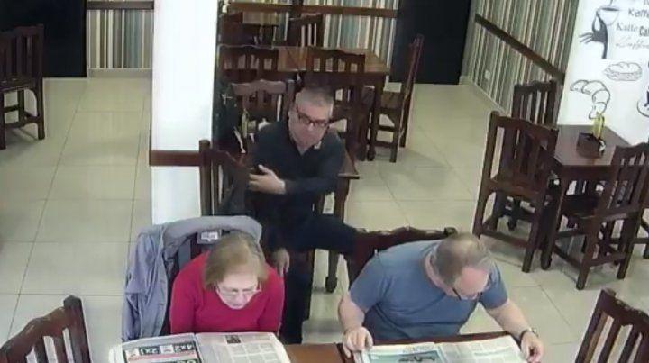 Un carterista volvió a robar en un bar y otra vez quedó filmado