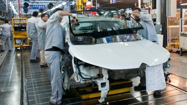 La industria cayó 11,5% y la construcción 4,2% durante septiembre