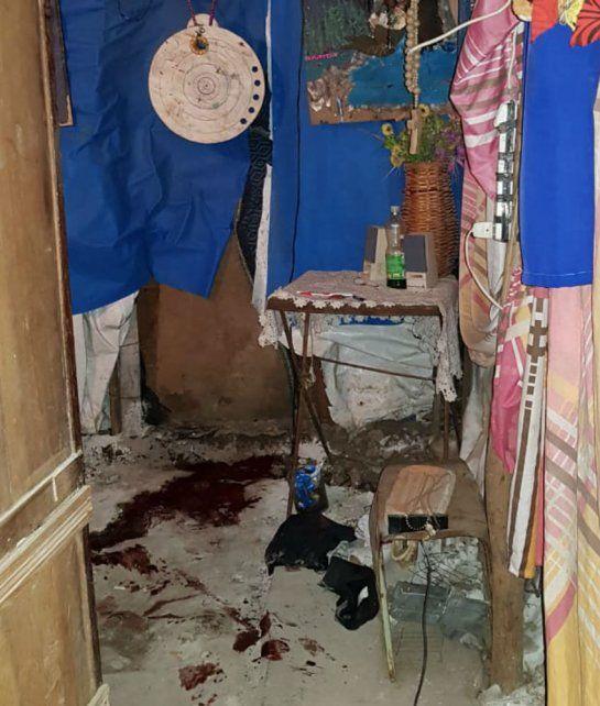 El interior de la casilla donde ocurrió la masacre.