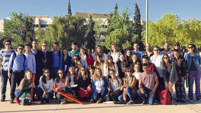 Jóvenes de la UNR que participaron de las Jornadas de la Asociación de Universidades del Grupo Montevideo.