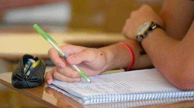 Inscriben a las carreras de administración y de calígrafo público