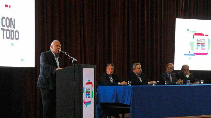 Lifschitz dijo que le parecía positivo que el sector agroexportador pague más impuestos.
