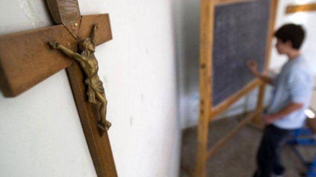 El Concejo pide sacar imágenes religiosas de escuelas y hospitales