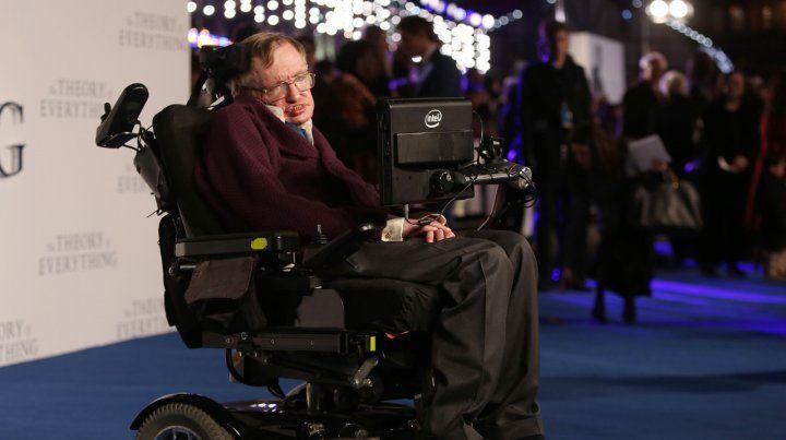 Subastaron la silla de ruedas de Stephen Hawking por casi 400 mil dólares