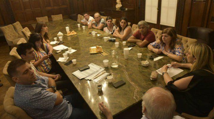 Un grupo de padres se reunió esta mañana con la concejala Schmuck