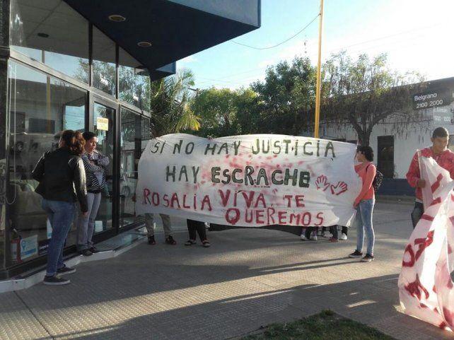 En Fortín Olmos y en Vera se realizaron numerosas marchas exigiendo la aparición con vida de la joven.