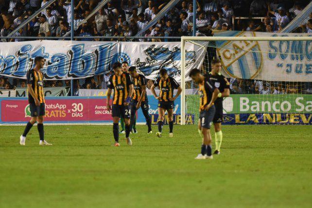 Central paseó sus falencias por Tucumán y sigue sin saber lo que es sumar de a tres