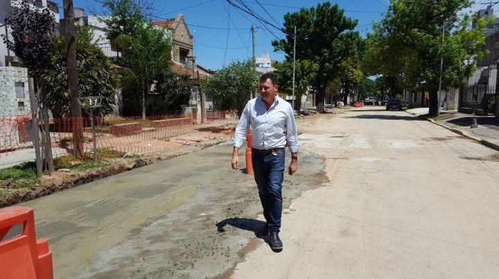 In situ. El intendente Leonardo Raimundo recorrió la zona de obras.