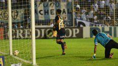 Central comenzó ganando con el gol de Zampedri, pero después el Decano le dio vuelta el resultado.