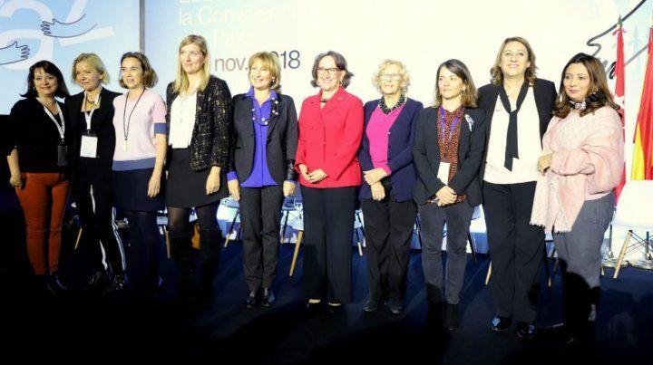 En grupo. La intendenta junto a referentes internacionales en Madrid.