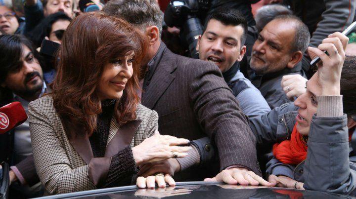 Cariño ciudadano. Cristina rechazó las acusaciones y denunció una persecución judicial en su contra.