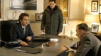 Estafados. Ewan McGregor interpreta dos personajes, Michael Stuhlbarg al socio y David Thewlis a un mafioso al servicio de estafas financieras internacionales.