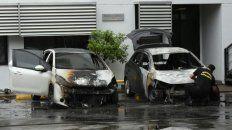 El fuego se inició en un Chevrolet Onix y se propagó a un Peugeot 208.